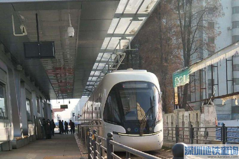 武汉光谷量子号有轨电车全线通车试运行