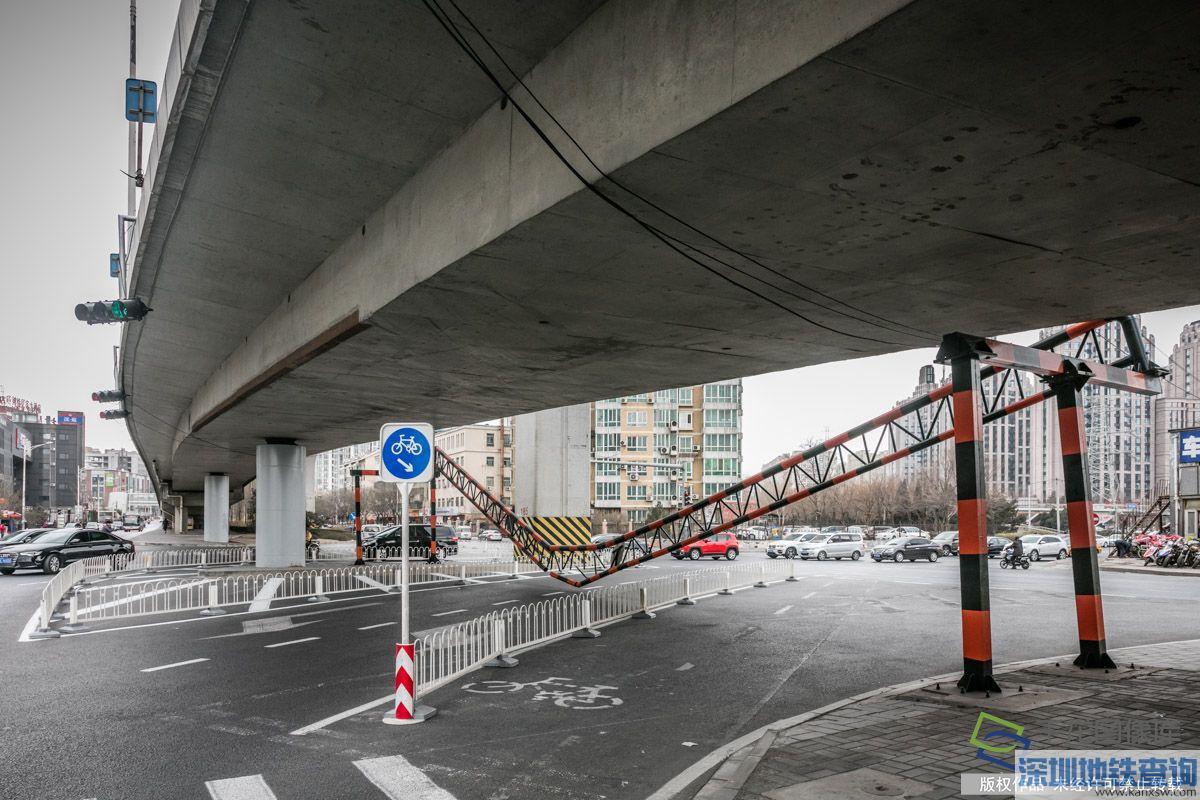 2月16日北京立水桥下限高架垮塌断路 请注意绕行
