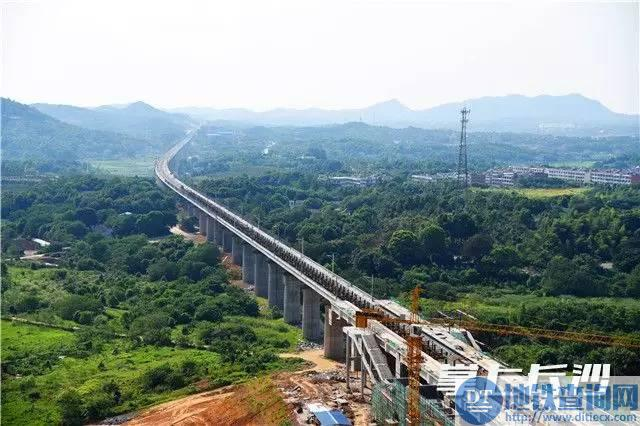 长株潭城铁长沙以西段8月8日全线轨通 计划2017年底开通