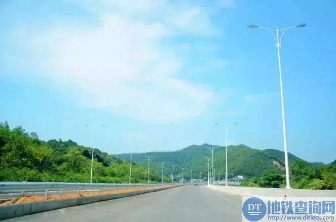 岳宁大道高新区段通车